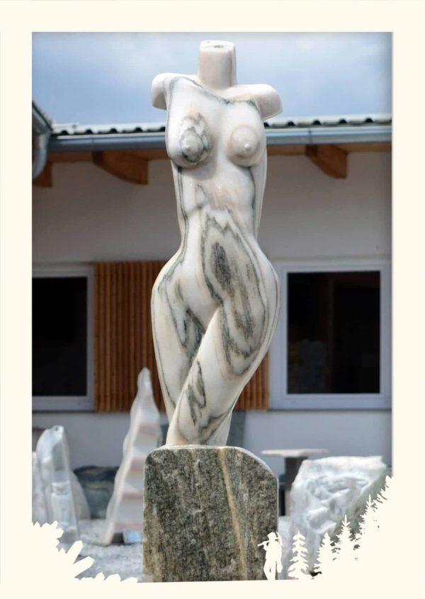Skulptur Frauenakt