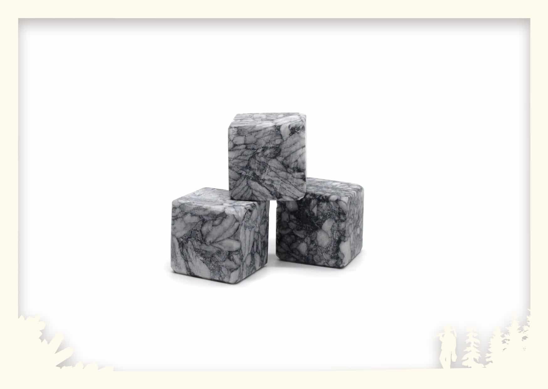 Eiswürfel aus steirischem Naturstein